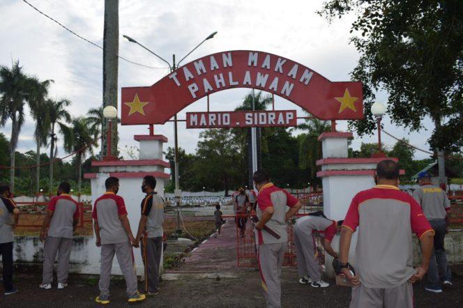 Polres Sidrap Kerja Bakti di Taman Makam Pahlawan Puncak Mario