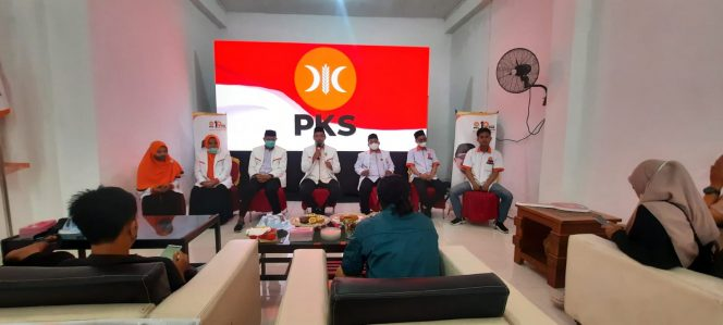 Rakerda PKS Pinrang yang berlangsung di Sekretariat PKS, Jl Tribrata, Kamis (15/7/2021).
