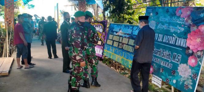 Prosesi pemakaman Pratu Sul Ansyari Anwar, merupakan prajurit asal Desa Lompo Tengah, Kecamatan Tanete Riaja Kabupaten Barru.