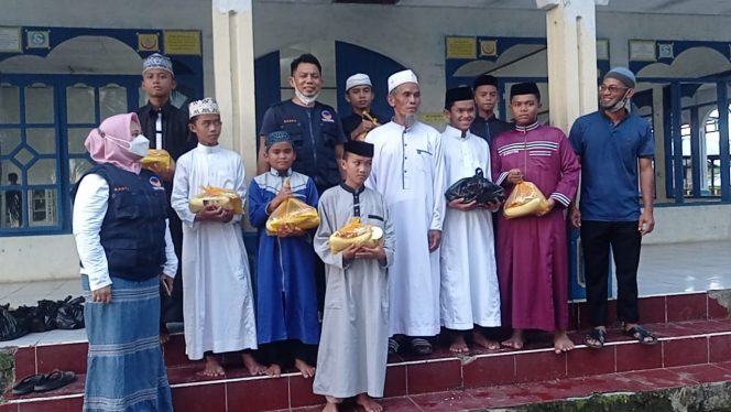 Tim NasDem Peduli Sidrap Kunjungi Pondok Pesantren Darul Ikhsan Cipotakari